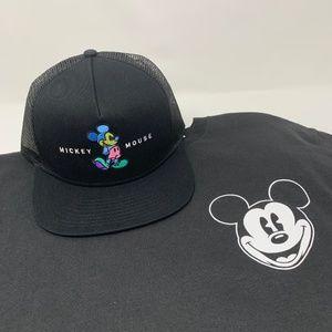 Disney Mickey Mouse T-Shirt & Neff Snapback Hat